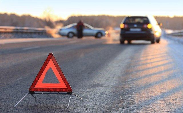 Движение задним ходом в 2020 году - по дороге с односторонним движением, где запрещено, где разрешено, на перекрестке