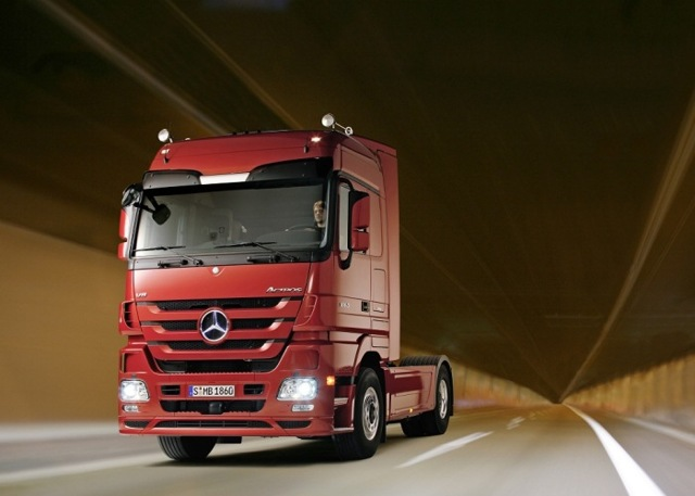 Автокредит на грузовой автомобиль (кредит на грузовик) в 2020 году - для физических лиц, ВТБ 24, Сбербанк, без первоначального взноса, банки, для ИП