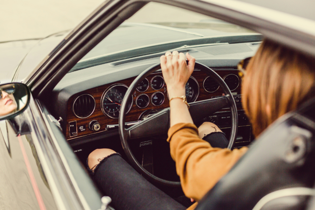 Как снять автомобиль с учета в ГИБДД в 2020 году - через госуслуги, для утилизации, после продажи